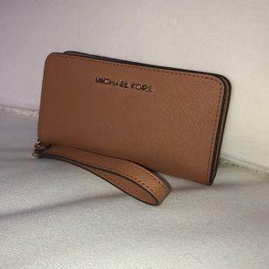 Michael Kors - clutch wallet